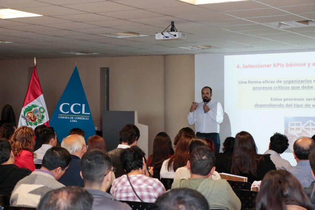 ponencia en la camara de comercio de Lima Santiago Hermosa